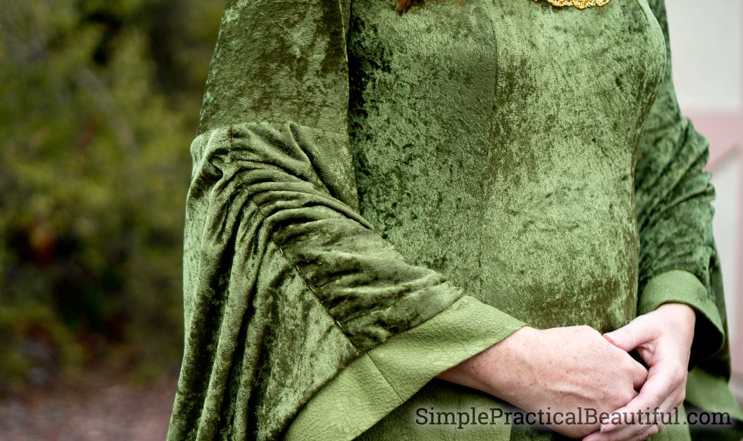 Gathered sleeve on the Eowyn costume from lotr