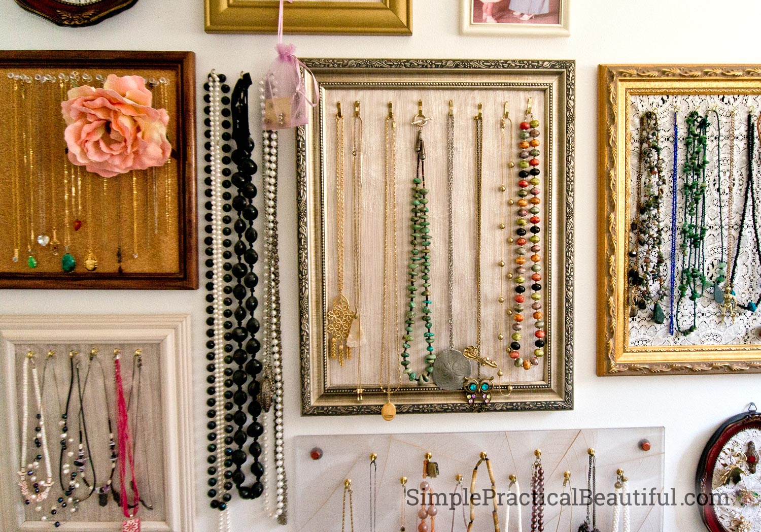 Gallery wall jewelry display simple practical beautiful for Jewelry displays