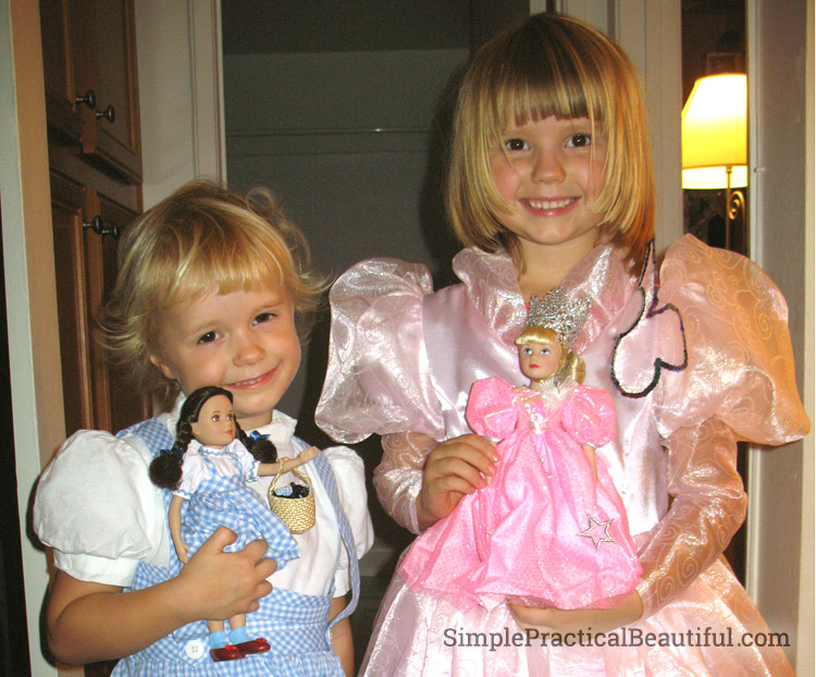 Girls Dorothy and Glinda Costumes for Halloween