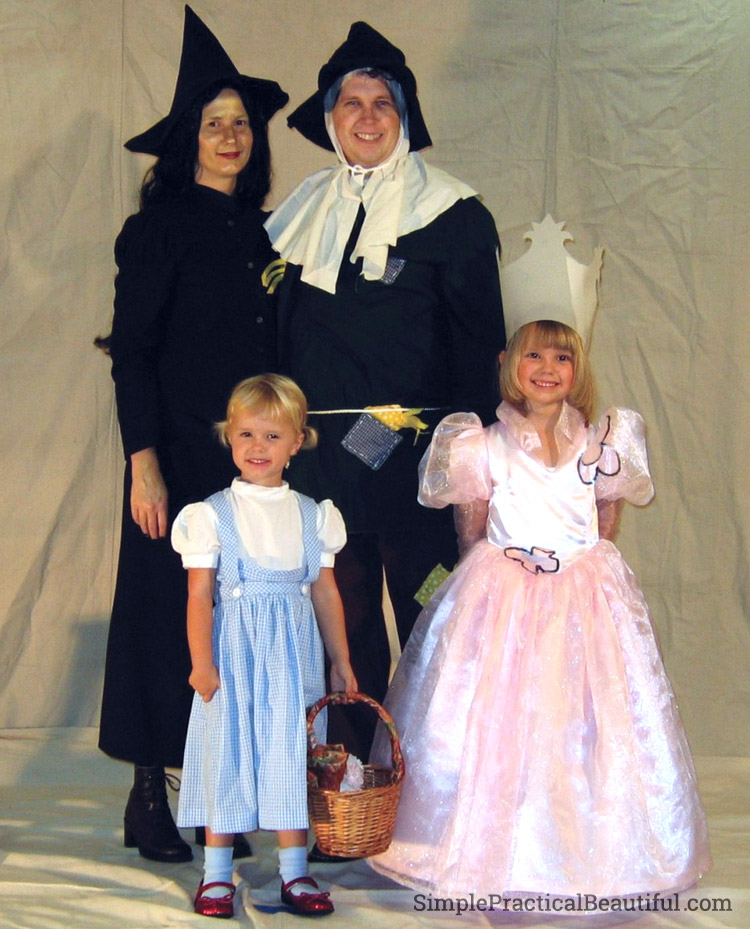 Wizard of Oz family costume for Halloween
