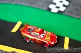 Easy DIY felt race track and city with printable template | Felt roads and felt play mat | Little boys craft | Disney Pixar Cars 3