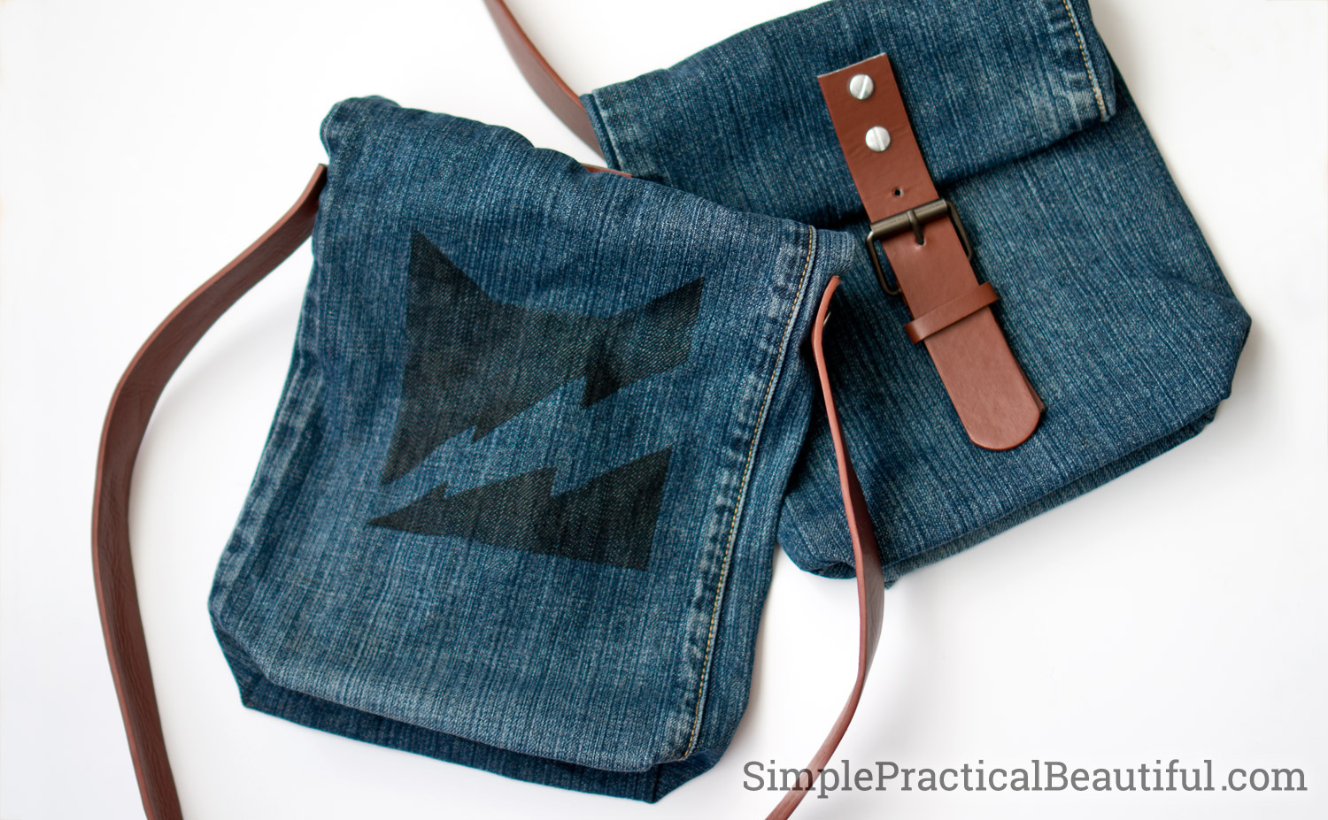 Add a design detail to your DIY jean purse like this warrior cats thunder clan logo