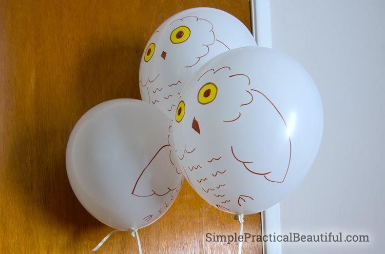 Harry Potter party owl invitation balloons