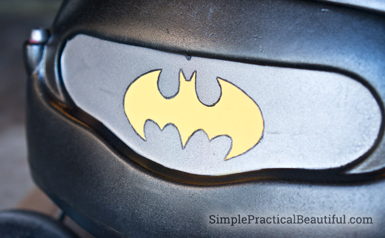 How to turn an old Little Tikes car into a toddler Batmobile