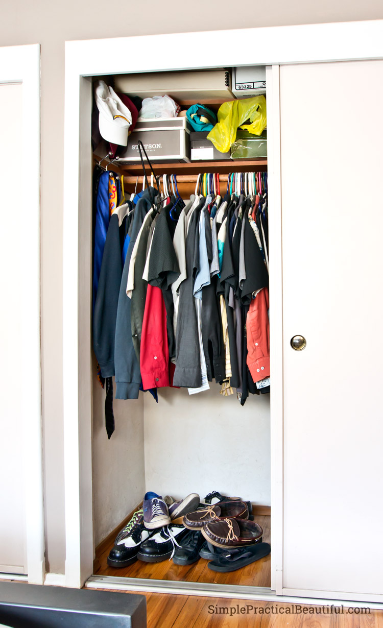 2 easy fixes for a messy closet
