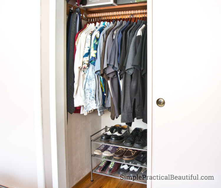 How to organize your closet in 2 easy steps