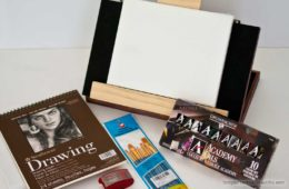 Great gift idea and which art supplies to include when giving an artist gift set
