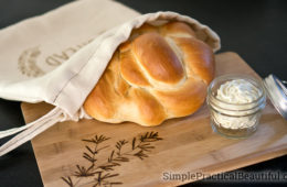 Handmade Gift Idea: Make a Bread Bag and Cutting Board to give with fresh bread and herb butter | DIY gift | How to do wood burning on fabric