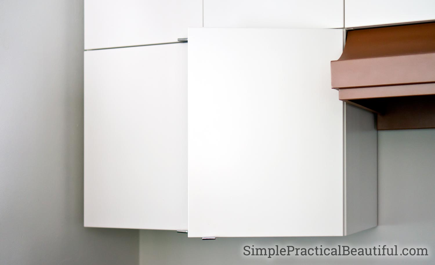 DIY installation of an IKEA Sektion cabinet with Utrusta hinges and soft-close