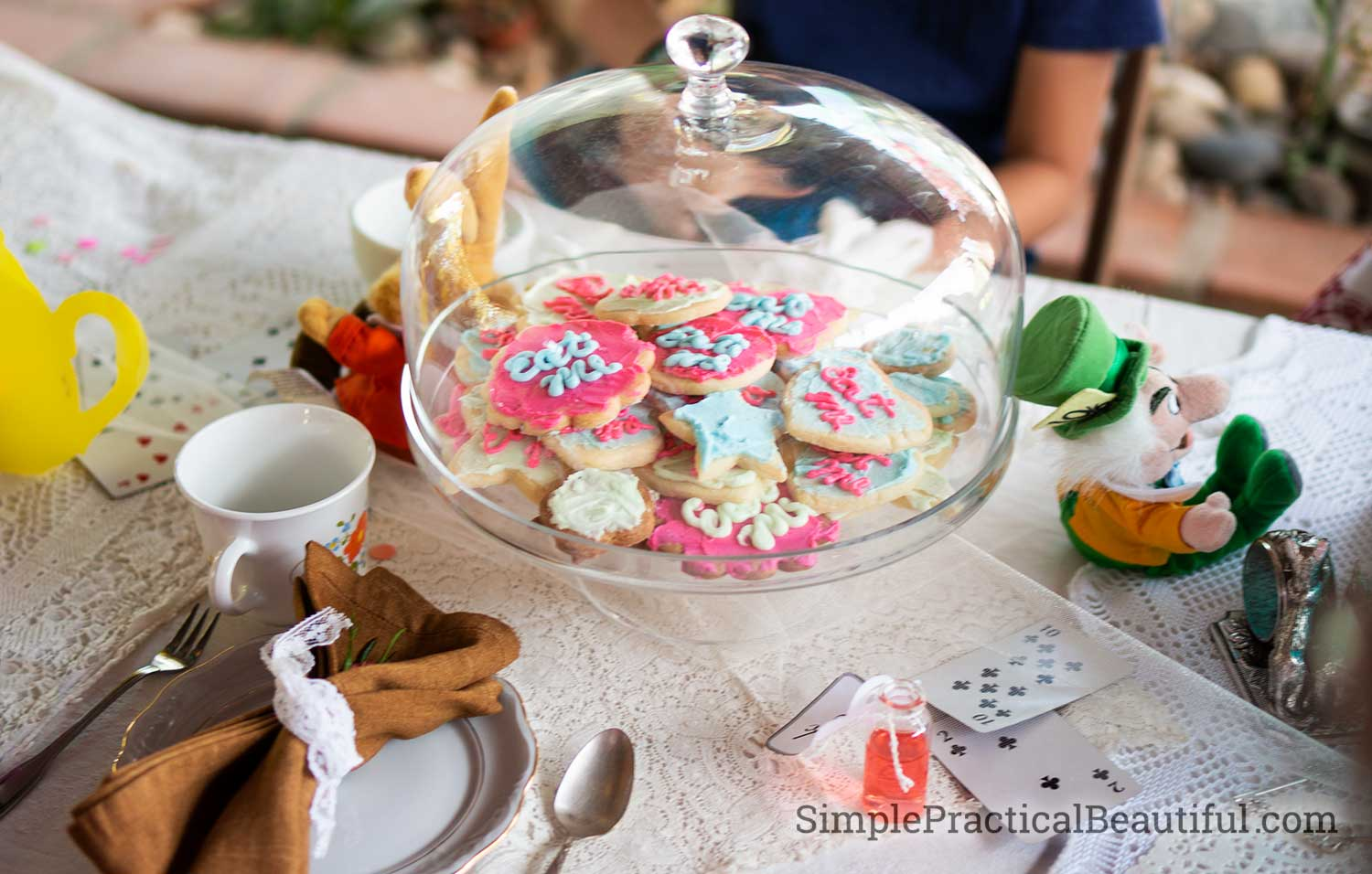Eat Me cookies at an Alice in Wonderland tea party