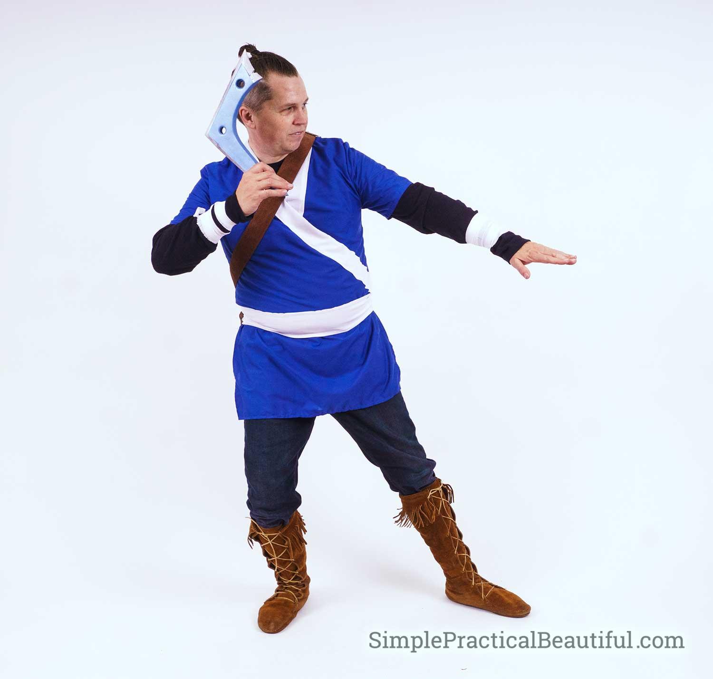 Sokka with boomerang cosplay